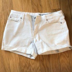 White gap boyfriend shorts